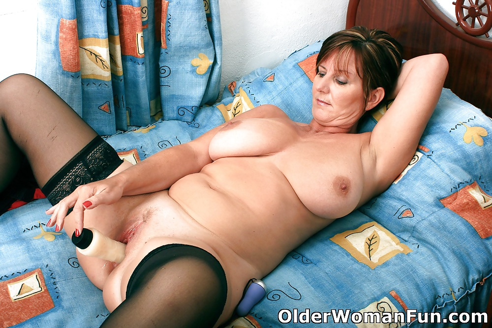 Mature 50 year amateur old wants young cock