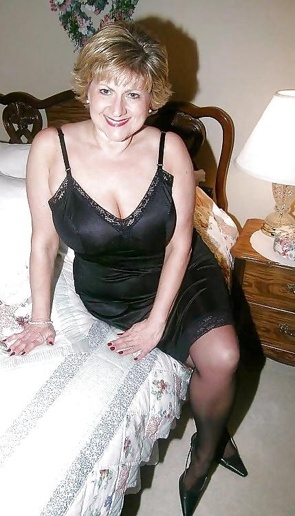 Mature Mom Sex - Official Site