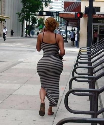 Big booty ebony mature