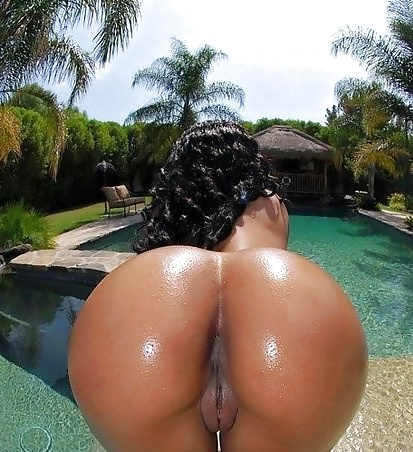 Does the best big mature black ass have