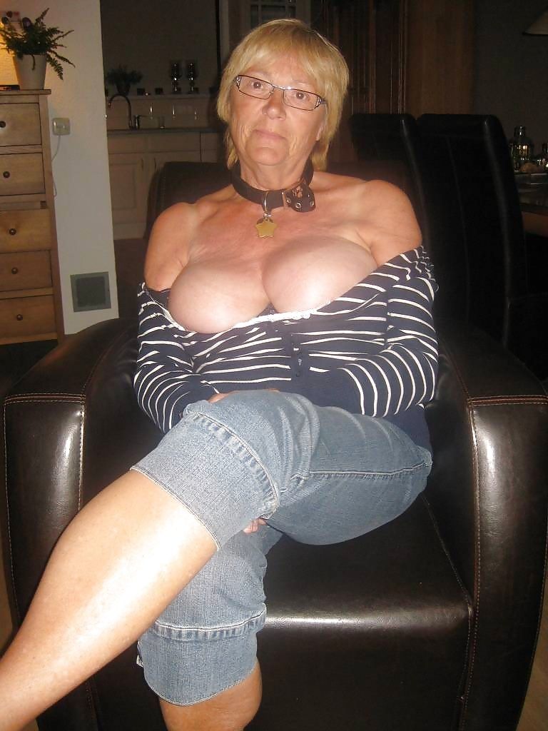 Mature woman jerk off