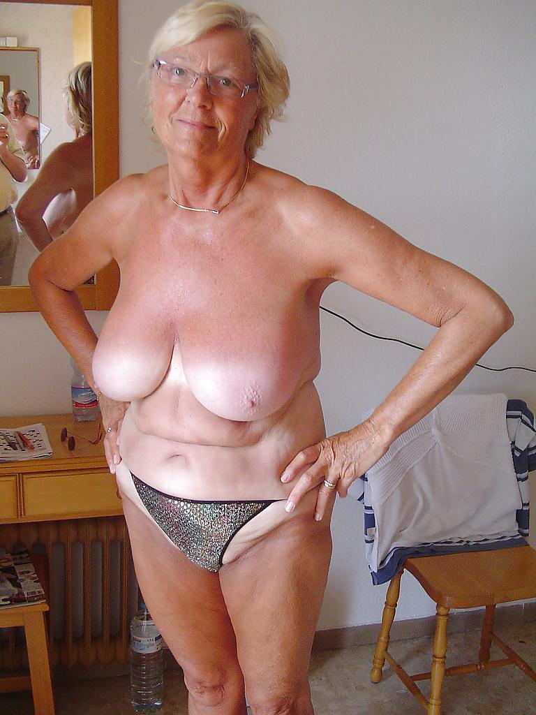 sexy naked ass older women