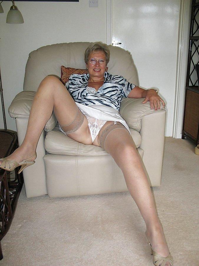 Mature X Grannies 44