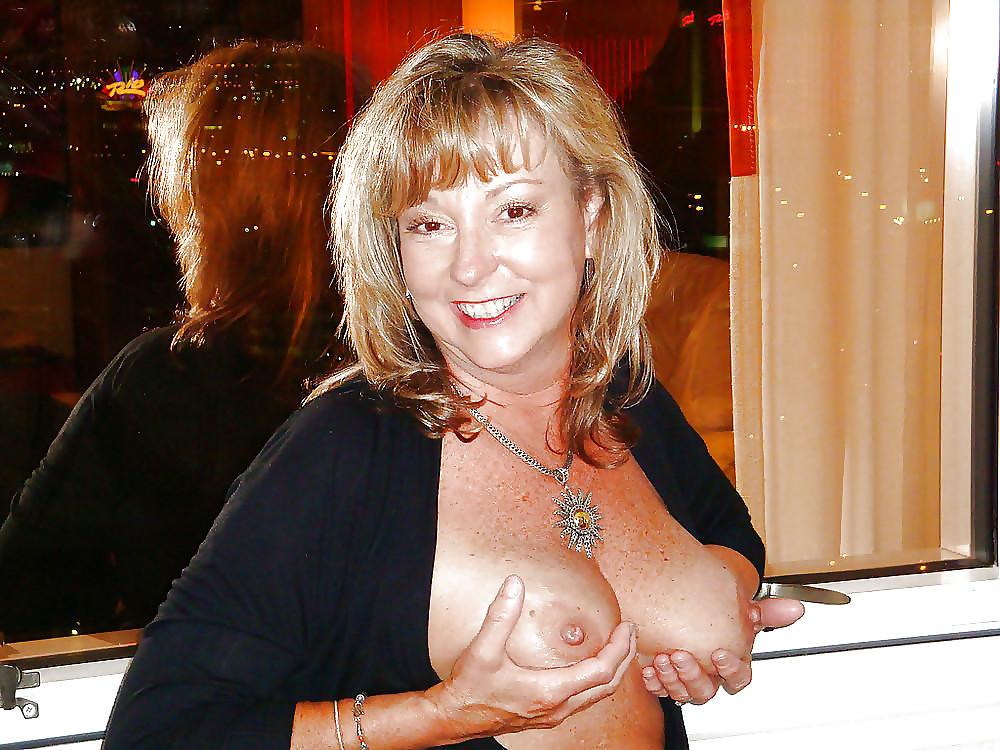 http://hotamateurmature.com/gallery/Housewives_milf_mature_elders/10.jpg