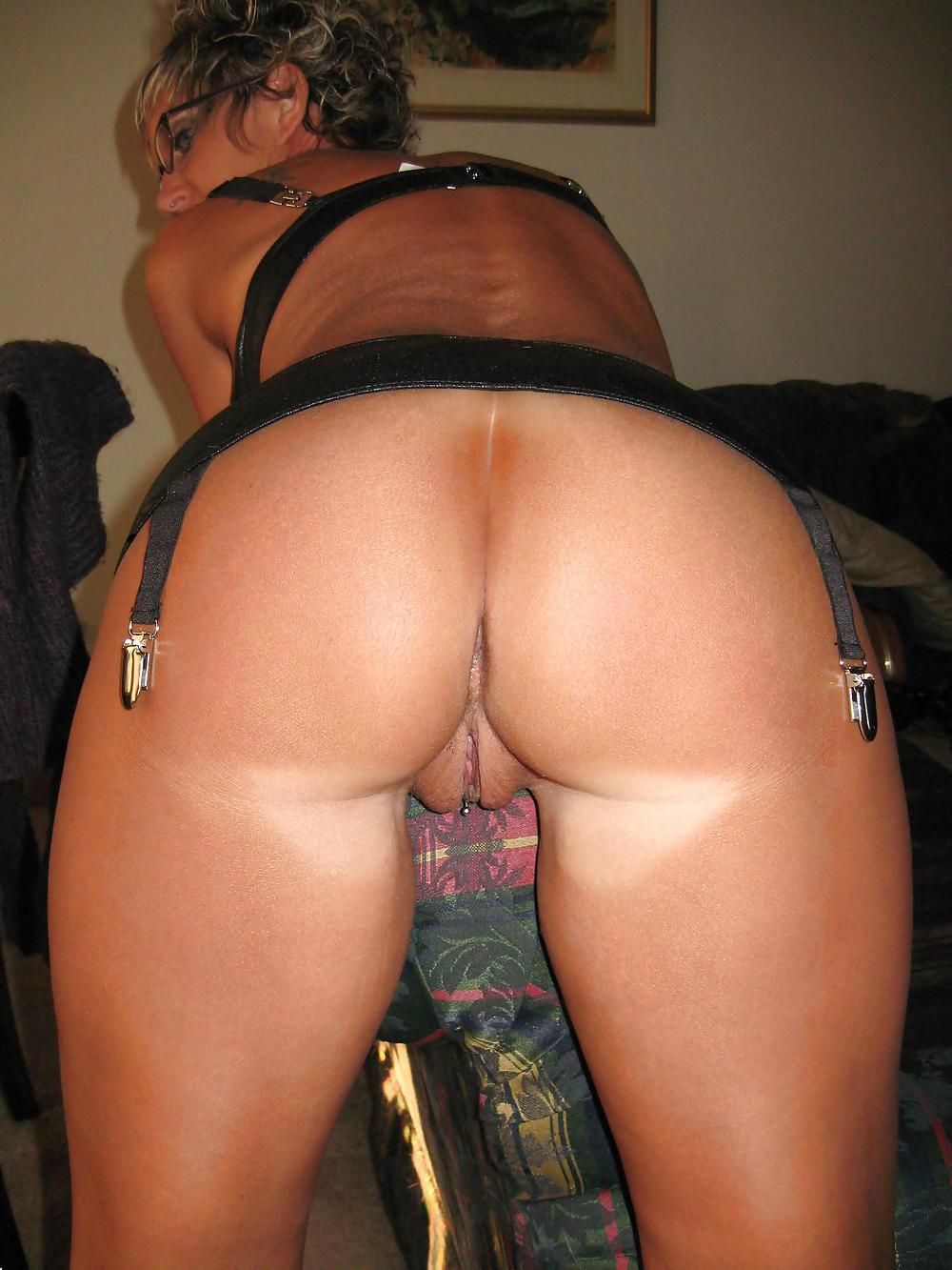 http://hotamateurmature.com/gallery/Housewives_milf_mature_elders/14.jpg