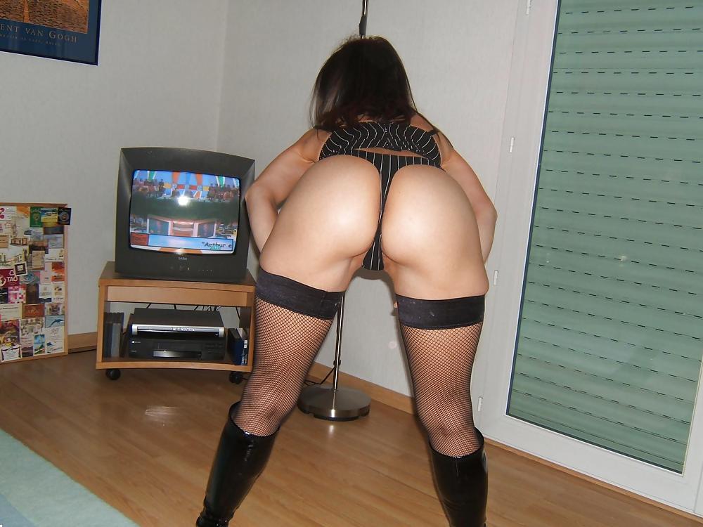 http://hotamateurmature.com/gallery/Housewives_milf_mature_elders/23.jpg
