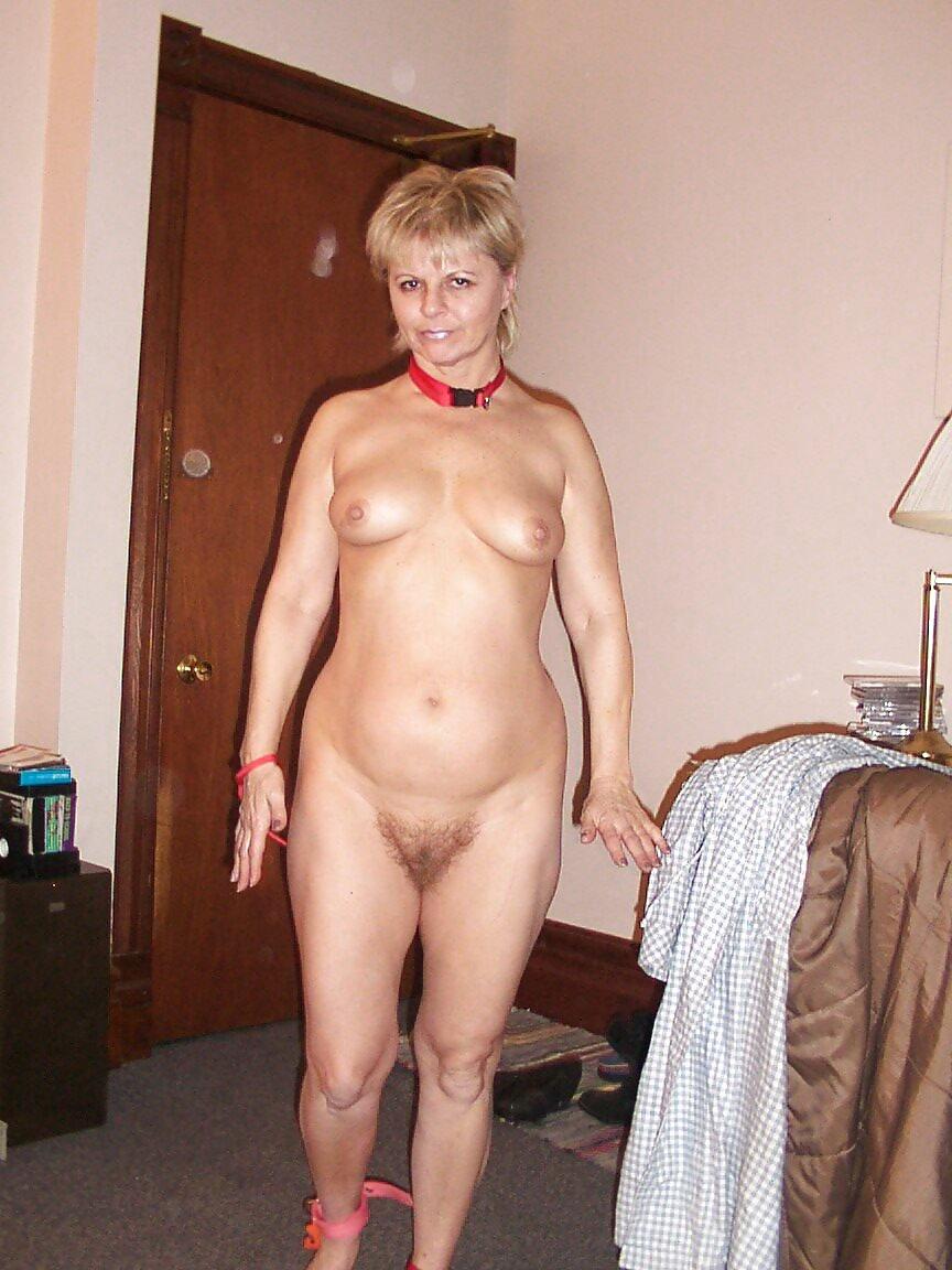 http://hotamateurmature.com/gallery/Housewives_milf_mature_elders/38.jpg