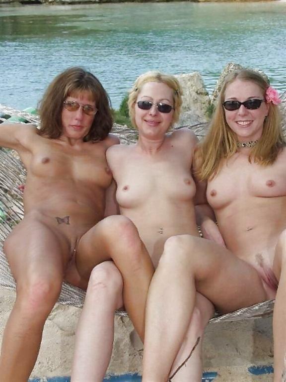 http://hotamateurmature.com/gallery/Housewives_milf_mature_elders/39.jpg