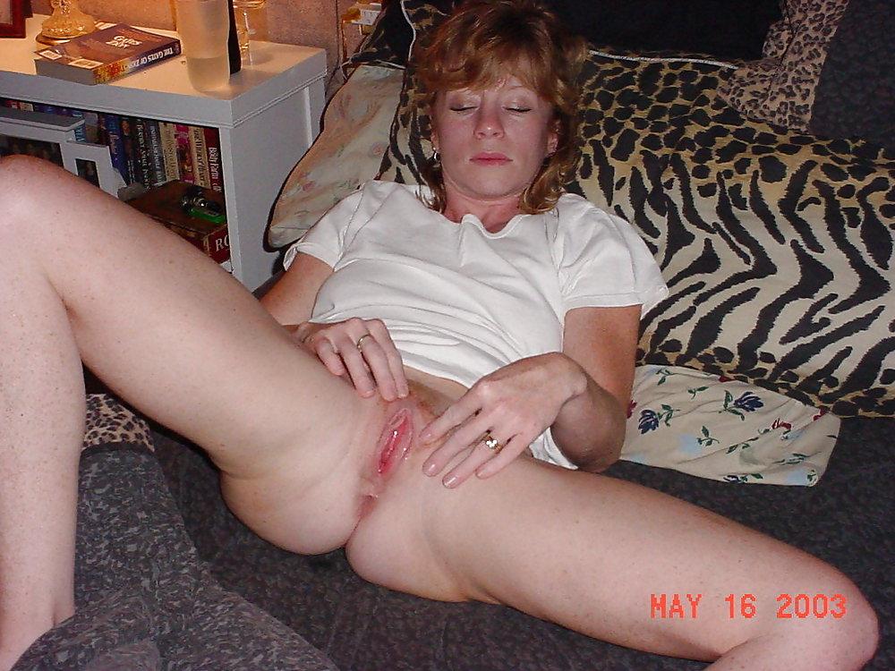 http://hotamateurmature.com/gallery/Housewives_milf_mature_elders/49.jpg