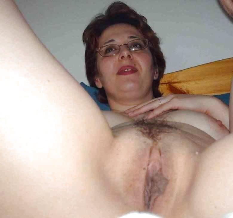 http://hotamateurmature.com/gallery/Housewives_milf_mature_elders/55.jpg