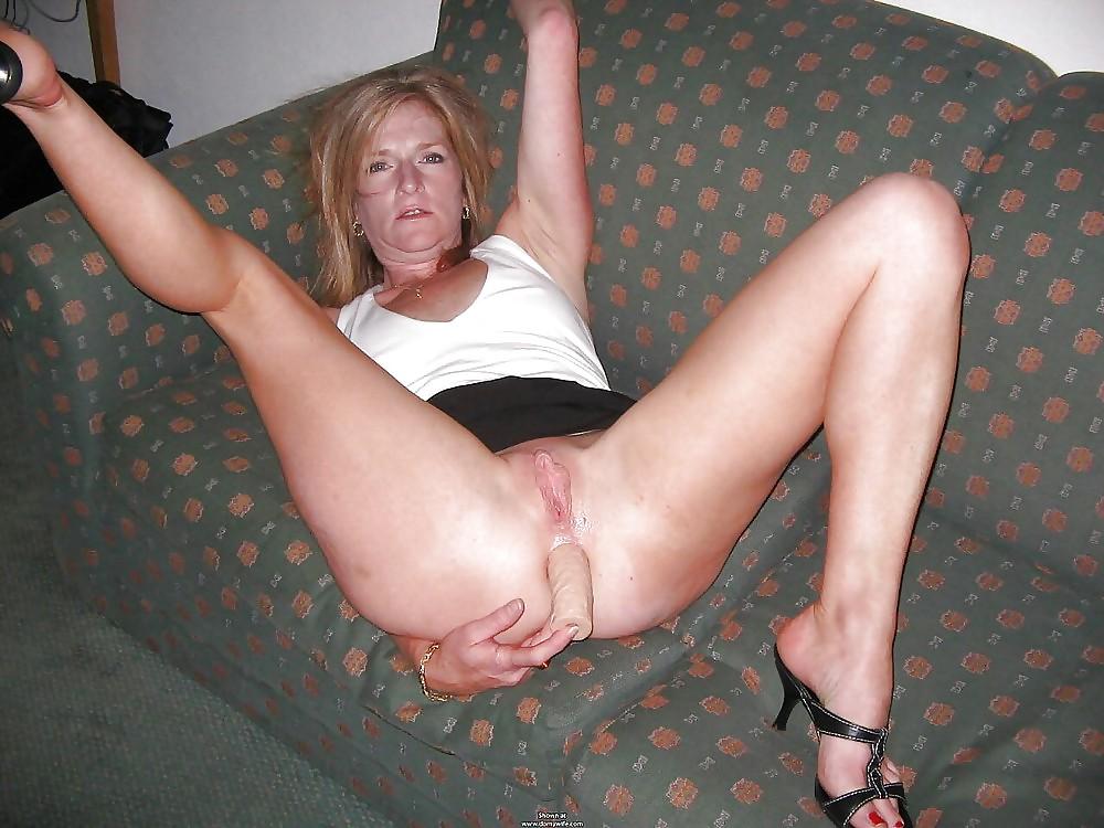 http://hotamateurmature.com/gallery/Housewives_milf_mature_elders/77.jpg