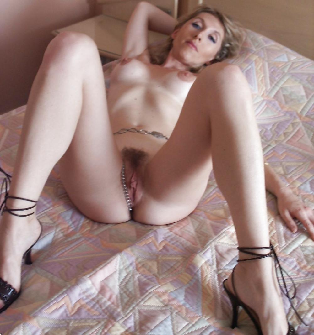 http://hotamateurmature.com/gallery/Housewives_milf_mature_elders/91.jpg