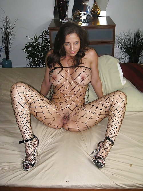 Hot Mature Housewifes 102